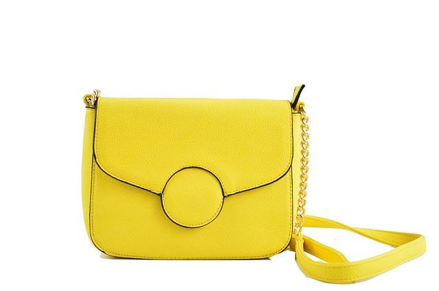 žlutá taštička