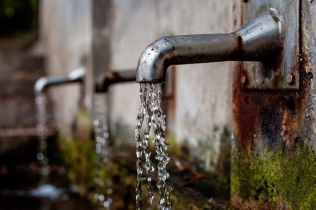 tekoucí voda.jpg