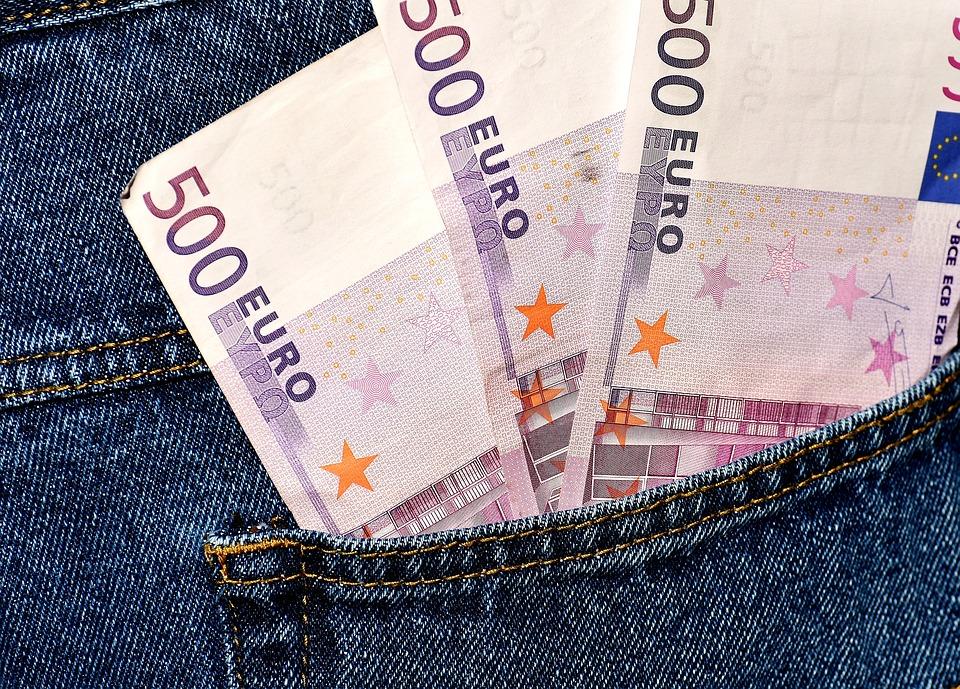 pětistovky v kapse